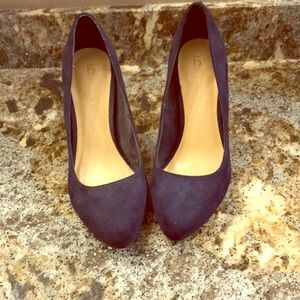 LC Lauren Conrad Shoes - LC Navy Suede pumps size 7 like new